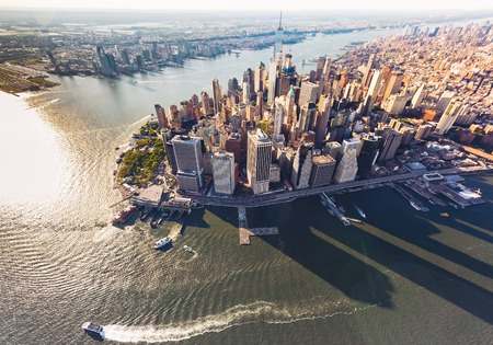 Explore NYC from the Hudson River | Metro Yacht Charters